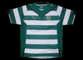 Sample da Puma 2009/10 de mangas curtas Tem Since 1906 a dourado na parte da frente