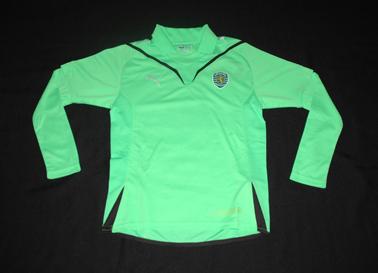 2009/2010. Camisola alternativa de criança, sample da Puma, com o Puma em branco e frase do Visconde de Alvalade a dourado